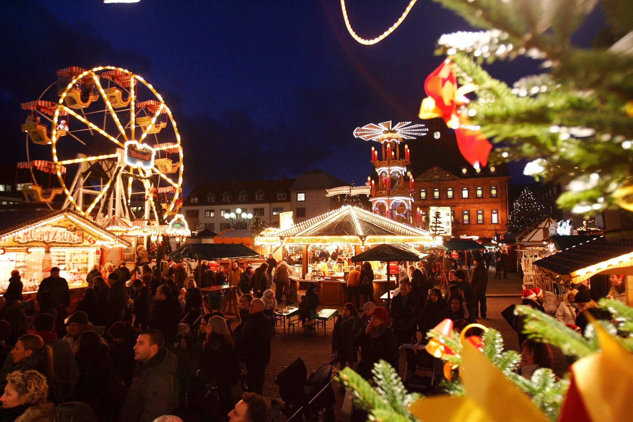 Weihnachtsmarkt Hanau.Weihnachtsmarkt Und Verkaufsstart Der Brüder Grimm Festspiele